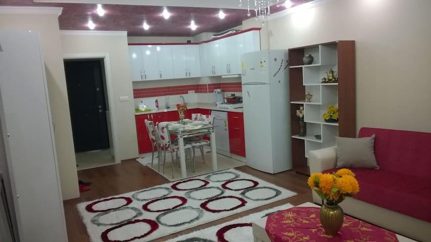Mersin'de günlük kiralık daireler,evler - Mersin - Apartamento