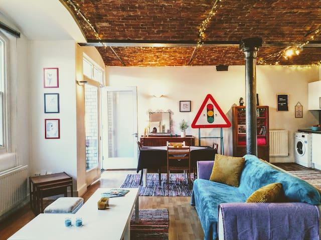 The Cavern apartment / Liverpool city centre