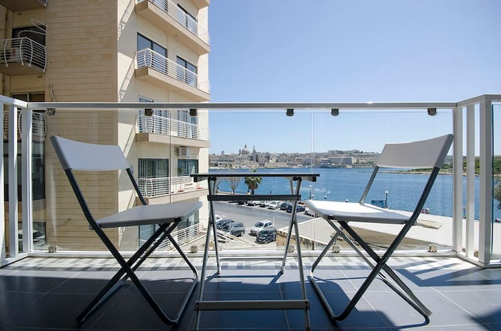 Bastion's Views Sliema Aparment - Sliema - Daire