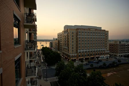 Wyndham National Harbor 1 BR Deluxe w/ Balcony (3) - Oxon Hill