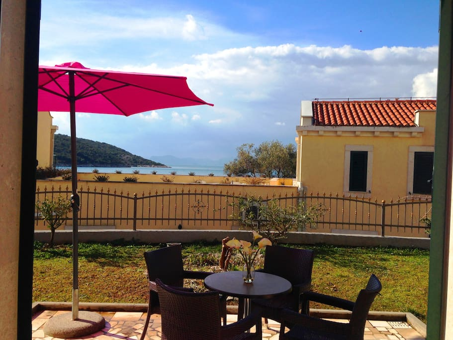 Villa Clio- Front terrace
