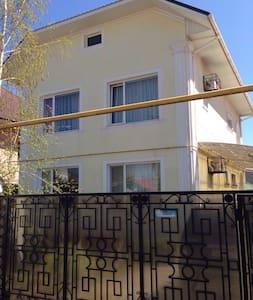 Сдам свой дом в Каролино-Бугаз - Karolino-Buhaz - Ház