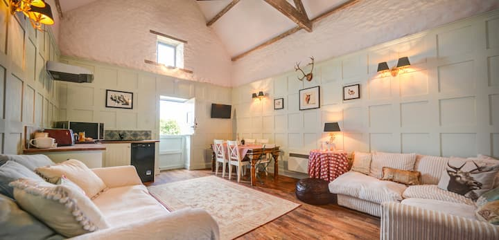 Cotswold Coach house nr Burford