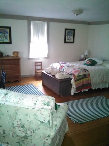 Private room (s) in Exeter, NH - Queen - Exeter