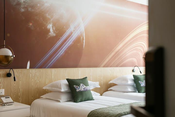 欢庭·在云端主题酒店-空客标间(航空小镇)
