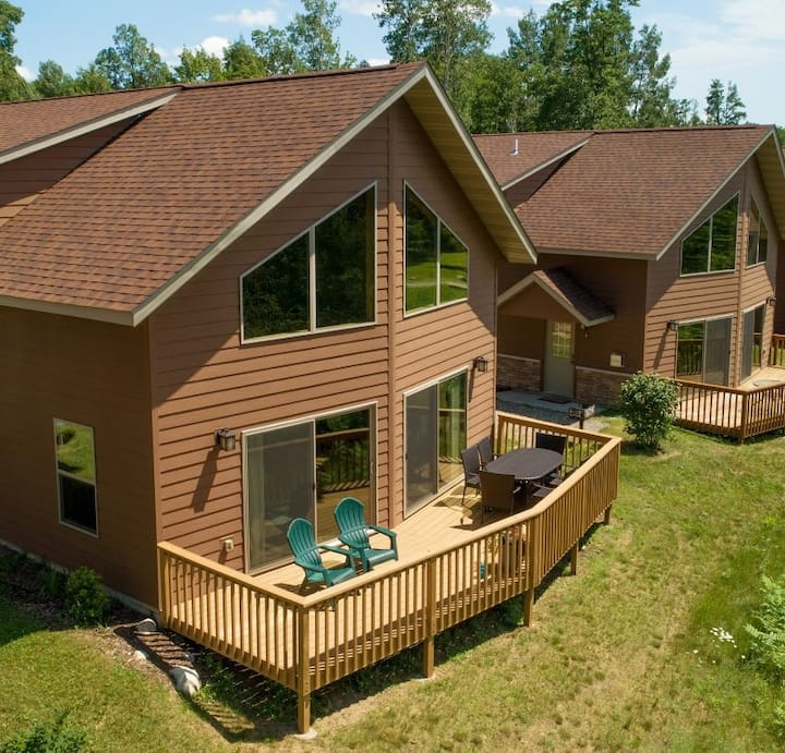 Leech Lake Cabin/Private Deck, Propane Grill and All the Amenities of Home Without the Hustle!