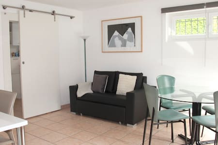 Bright, independent 2 room flat - Montreux - Appartement