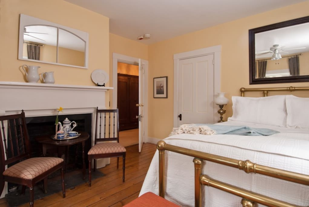 Queen Bed, room service breakfast available