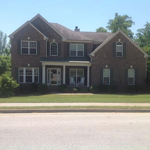 Private Suite in a Peaceful Home - Conyers - Bed & Breakfast