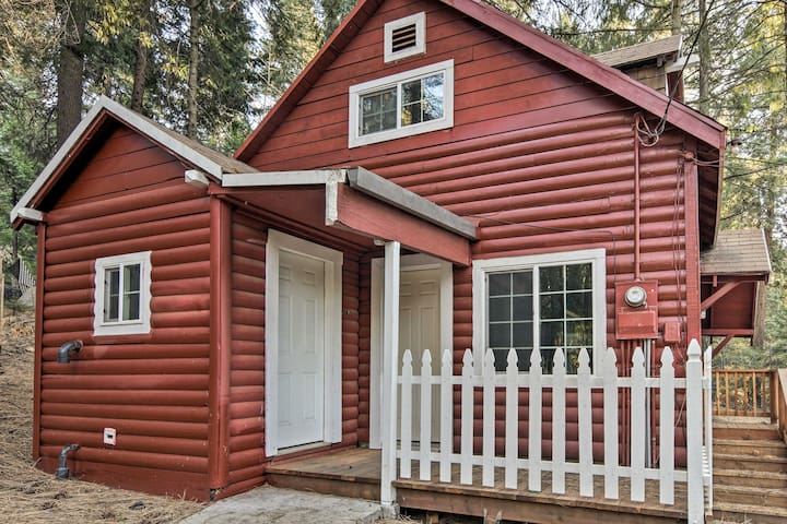 NEW! Cozy 2BR Pollock Pines Cabin w/Wooded Views!