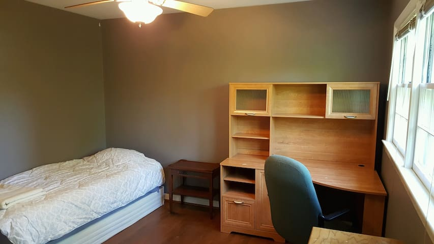 Light-filled & spacious! Your home away from home!