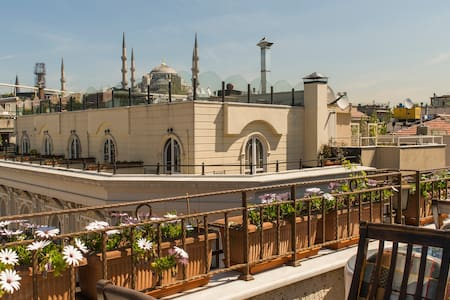 ★ Stay here and explore Istanbul ★ - Bed & Breakfast