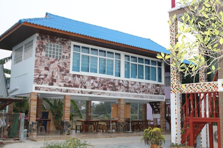 Experience Thai Life in Singburi  - Phrom Buri - Penzion (B&B)