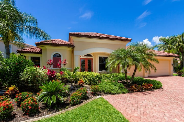Monica stunning 3 bedroom/ 3 bath direct gulf access property in walking distance to Cape Harbor
