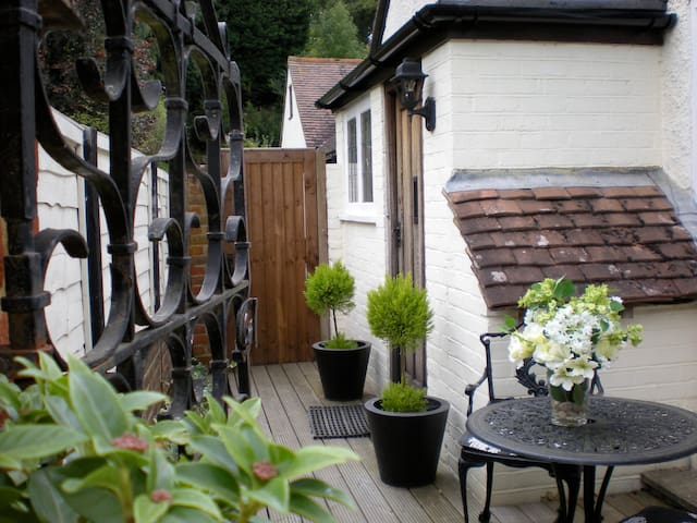 Characterful in Quiet Location - Guildford - Pis