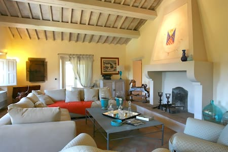 Luxury Villa sleeps 14 people - San Casciano dei Bagni