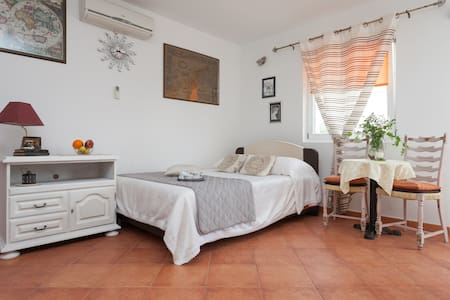 charming studio near the beach  - Rovinj - Huoneisto