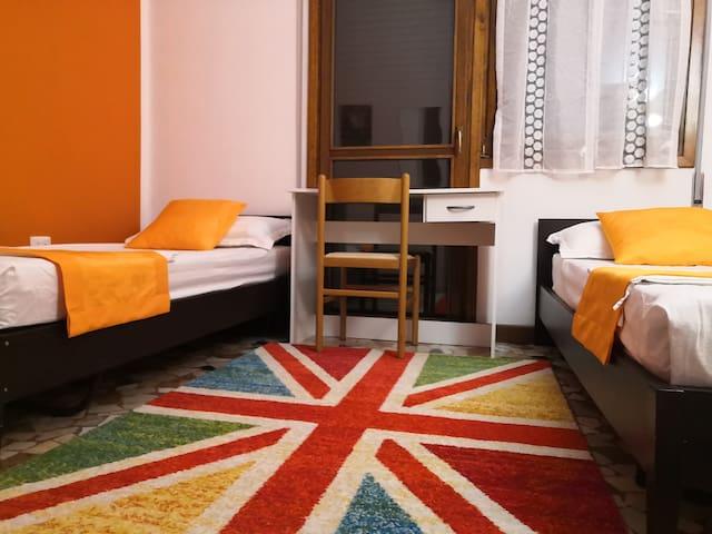 淡雅大床房 (Elegant couple rooms)