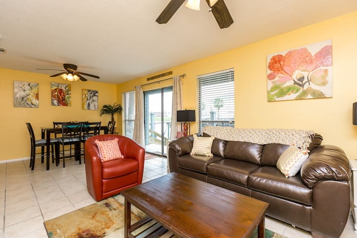 Quiet on the water and upscale - Corpus Christi - Apartment