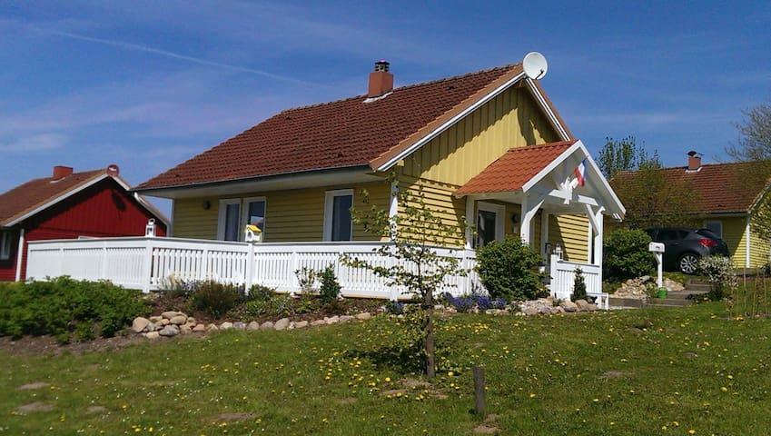 Schwedenhaus in Ostseenähe - Schönwalde am Bungsberg - Ev