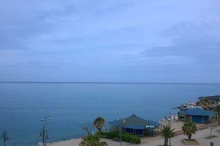 First  Sea Line View Gizzeria Lido - Aamiaismajoitus