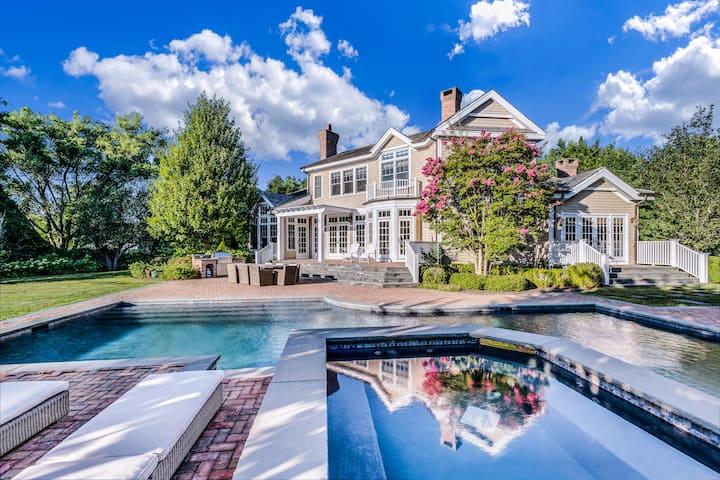 Luxury East Hampton Retreat + Pool + Tennis