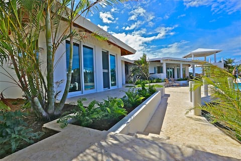 luxury property walking distance to zoni beach