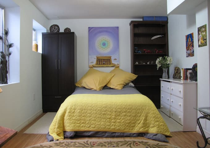 Artistic Reiki Room