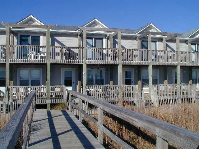 Sea Breeze Beautiful Oceanfront Townhome - Kure Beach - Townhouse