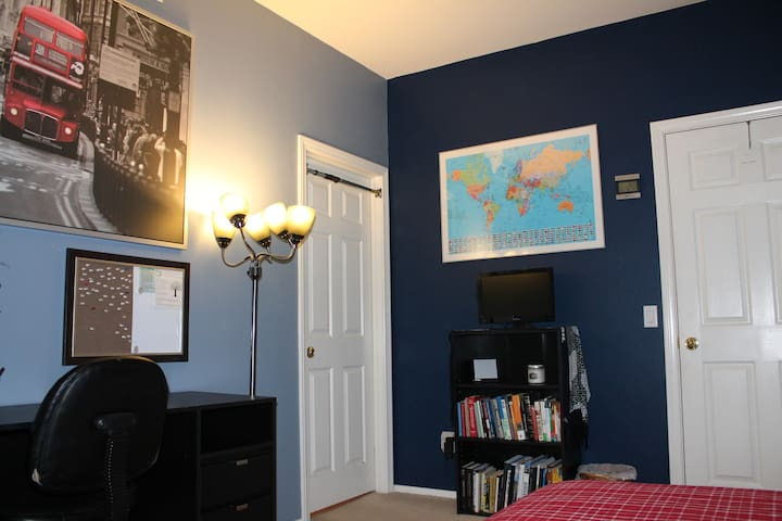 Cozy & Comfy Room w/Private Bath - Rancho Cucamonga - House