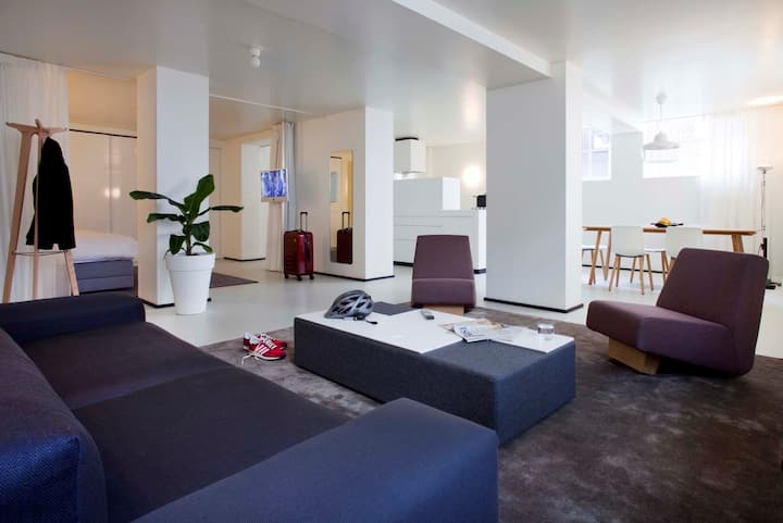 Urban Family Suite Apartment >Fully Serviced! (75m2)