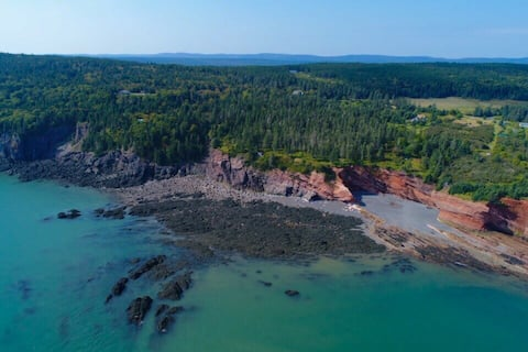 Serenity by the Sea - Waterfront Bay of Fundy