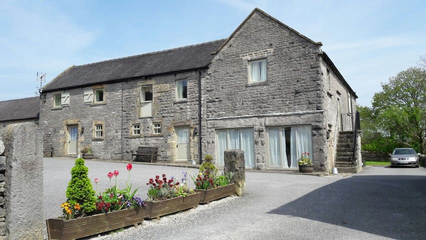 6 pretty holiday cottages, sleeping 8 - 30 guests.