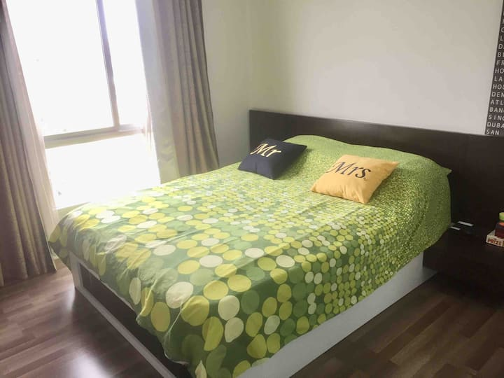 Cozy Condo near Airport and Shopping mall 1