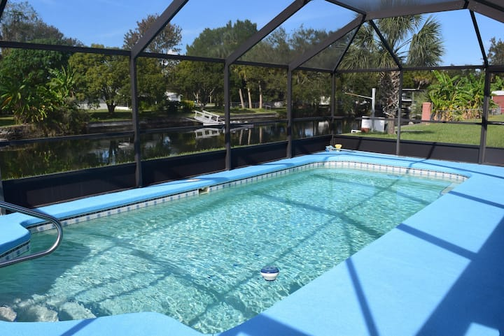 4/2 on Deepwater Canal with in-ground Pool