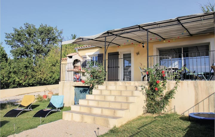 Awesome home in Malaucène with WiFi and 3 Bedrooms
