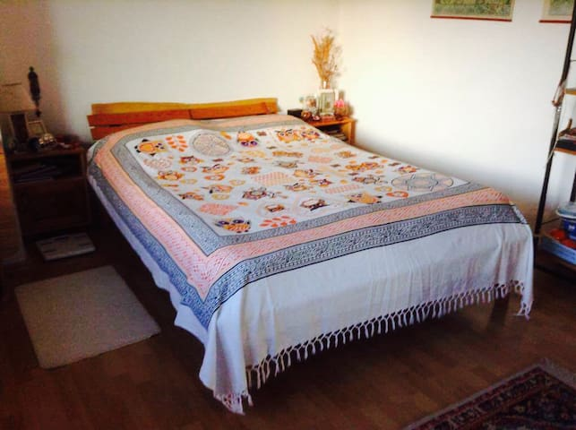 Cosy&comfy private ensuite in historical center - Râșnov - House