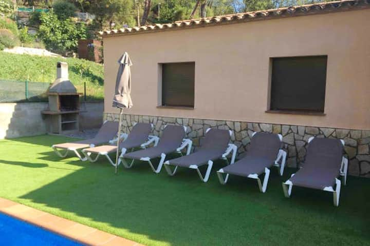 Villa with 4 bedrooms in Calonge, with private pool, furnished terrace and WiFi