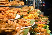 Street food is a major reason for travelers to visit Penang.  My place is located within easy walking distance of Kimberley and Chulia streets, which are both popular destinations for foodies.