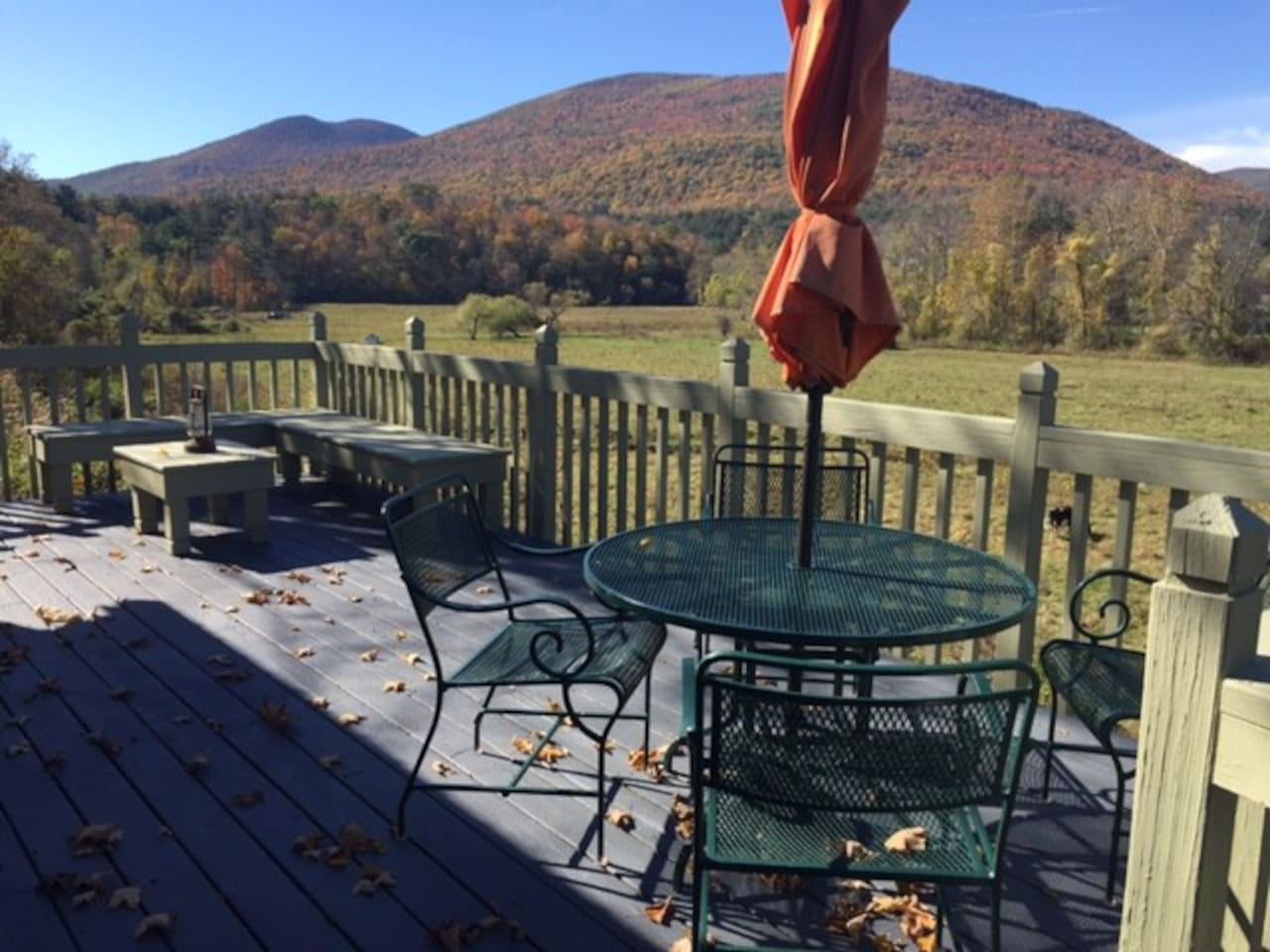 Private Back Deck, A Great Spot For Dinner, Drinks or Taking In A Sunset.