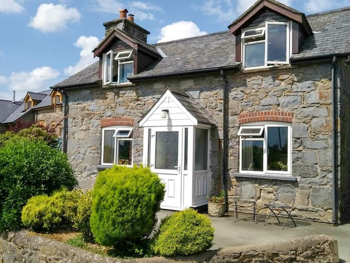 Fronheulog Holiday Cottage (UK31103)