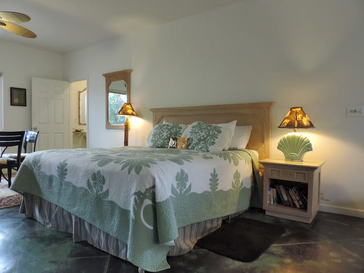 Hibiscus Studio Suite - One Minute Walk to Beach