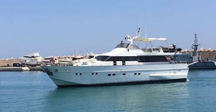 Yacht BIBION RUFUS