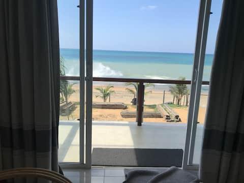 VILLA SANARA Absolute Beach Front Colombo North