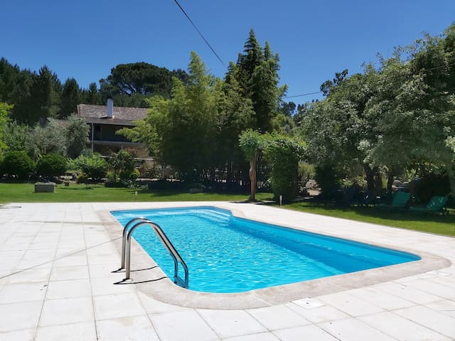 Quinta da Ribeira - with Private Pool and Gardens