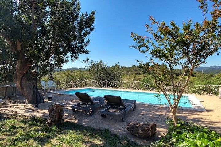 Majorcan finca with pool next to Palma