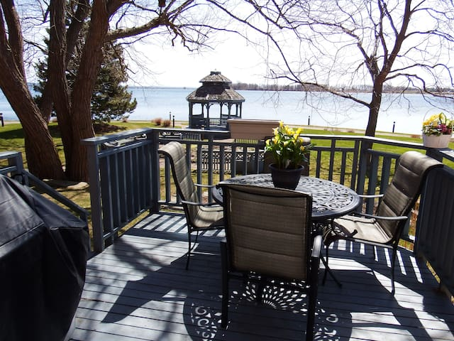 Waterfront townhouse for rent houses for rent in kingston ontario canada for 3 bedroom house for rent kingston ontario