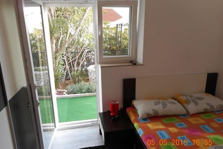 Room 1,5 km from Old Town - Dubrovnik - Bed & Breakfast