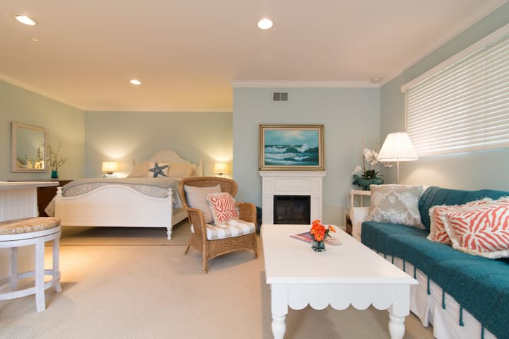 Best in LA JOLLA, Coastal Cottage!!!