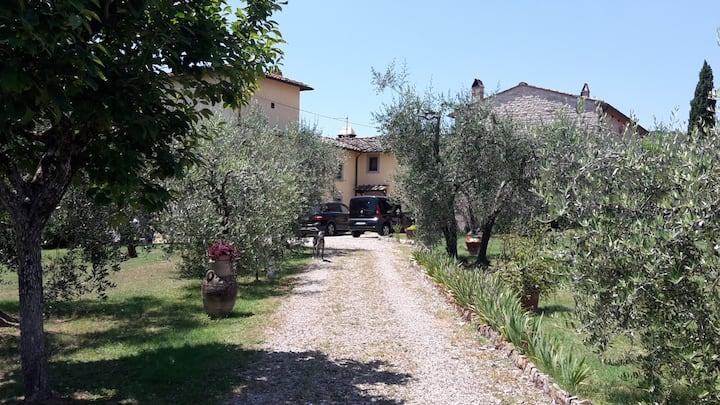 Antica colonica sulle colline di Firenze